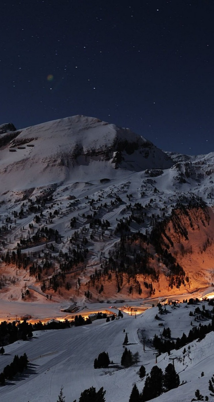 Top Wallpaper Night Iphone 5 - ski-slope-in-the-night-wallpaper-background-744x1392  Collection-16566.jpg
